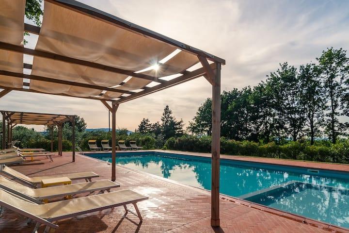 Einladende Villa mit Swimmingpool in der Toskana