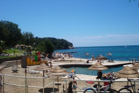 5 min from beach and city 2-3person - Poreč - Apartment