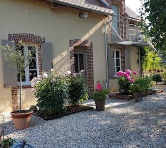 Magnolia54  -Chambre et table d'hôte a 2h de Paris