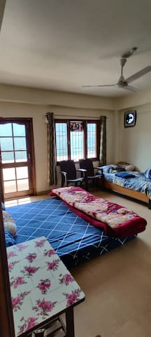 Preview of the sofa beds and single bed available in the guest house