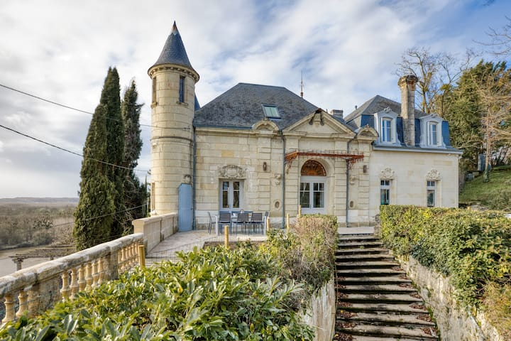 Gîte de groupe Château Satis Morituro et son logis