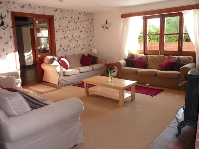 Rural Modern Farmhouse in Winterbourne, South Glos - Winterbourne Down - House