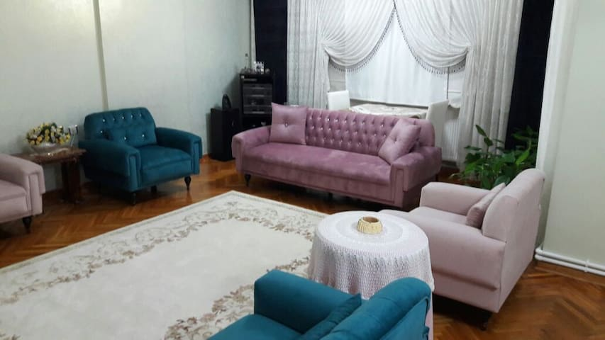 Single Room, excellent central location - Şahinbey - Apartamento