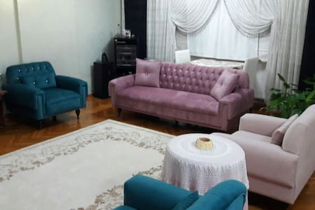 Single Room, excellent central location - Şahinbey - Wohnung