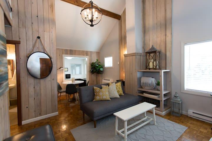 2 Bedroom Cute Campus Cabin