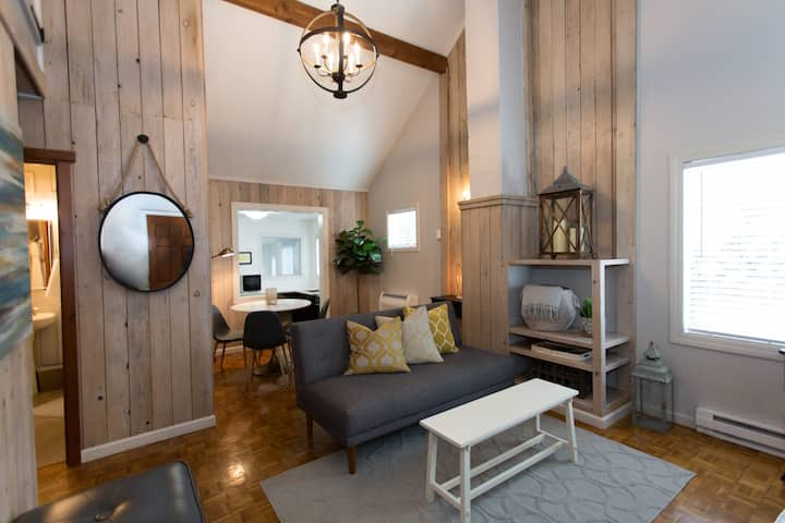 2 Bedroom Cute Campus Cabin