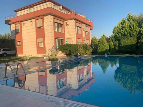 villa with swimming pool and sea view