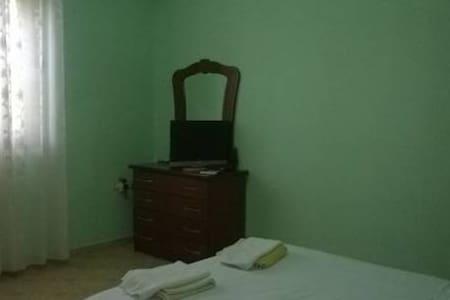 Guesthouse Liri Double room - Divjakë - Hospedaria