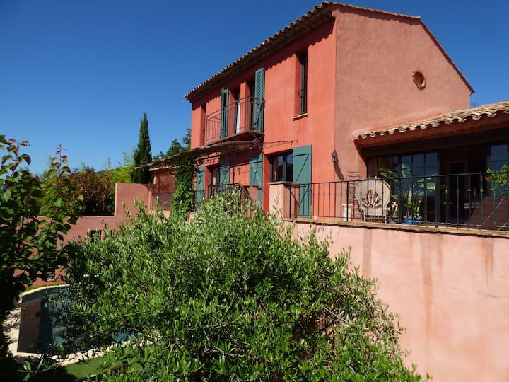 Magnifique Villa sur la Colline/Piscine Chauffée