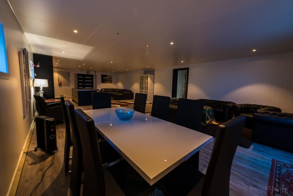 Stue /Kjøkken 80 m2