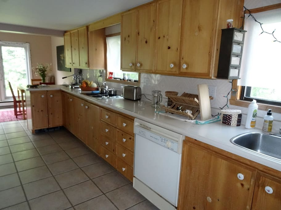 Spacious kitchen, fully equipped, great for cooking
