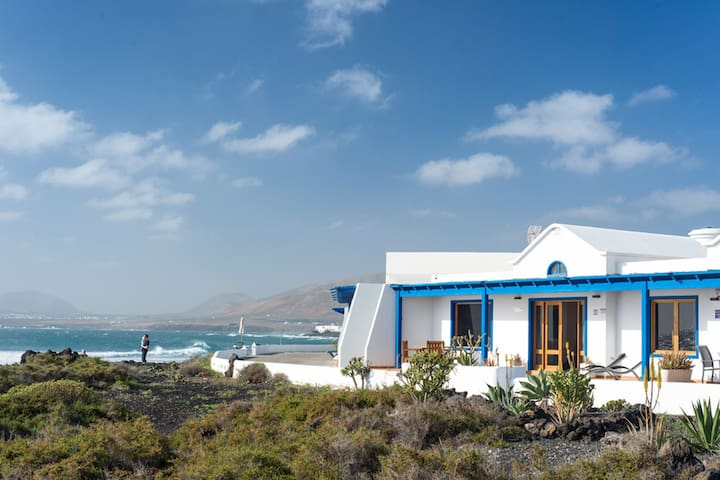 Cozy Villa in Punta Mujeres with Terrace