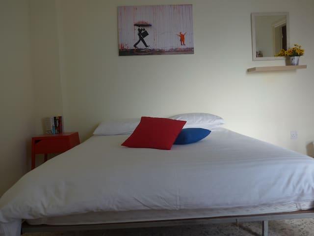Minimal chic double room