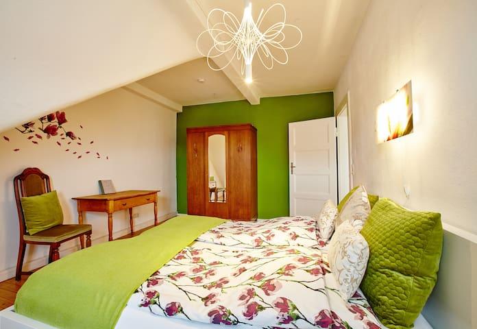 Bedroom Magnolia