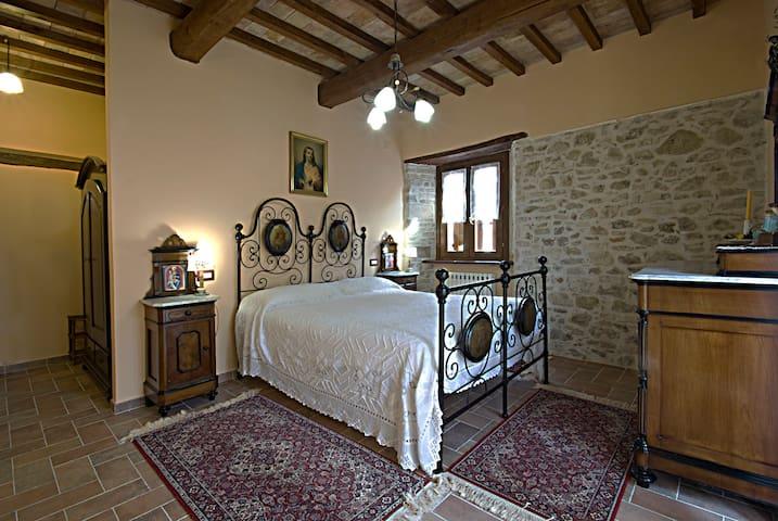 camera doppia con terzo letto - Spoleto - Bed & Breakfast