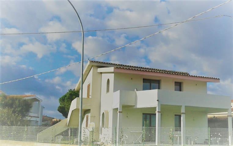 Grande terrazza frontemare - San Giovanni - Vila