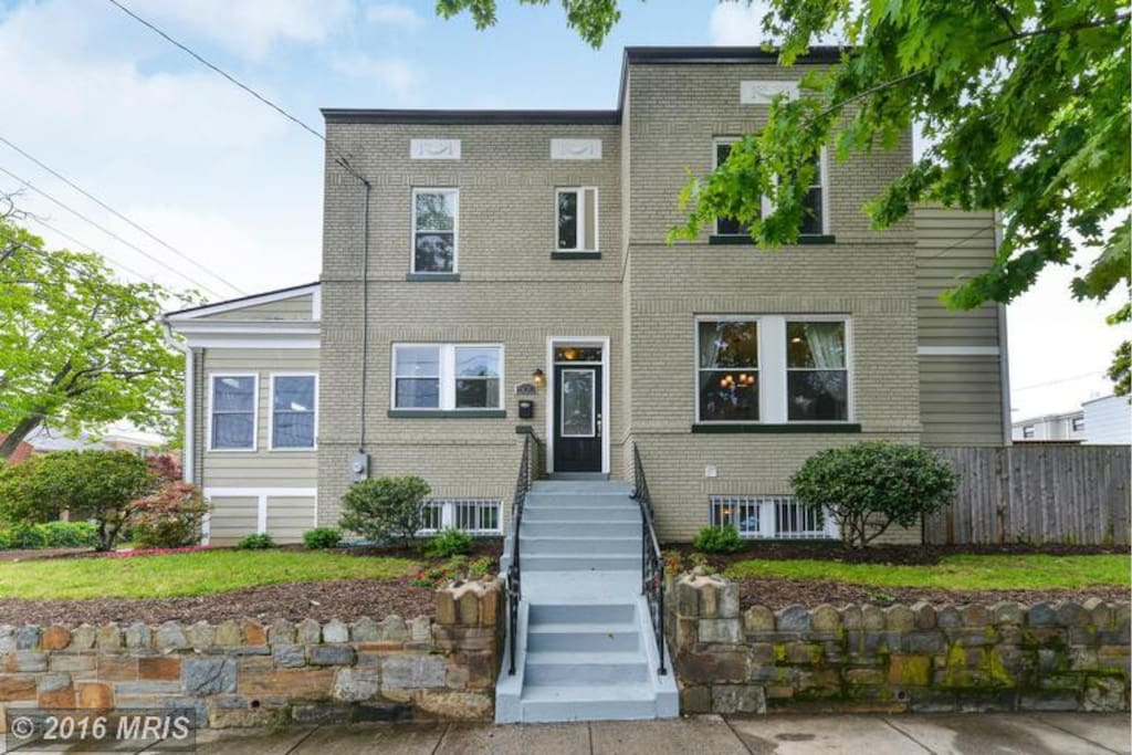 3 Bedroom End Unit Row Home Townhouses For Rent In Washington District Of Columbia United States