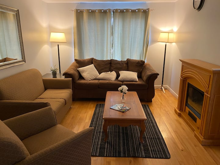 Private,Clean,Cozy 3 bedroom apart500m to Hospital