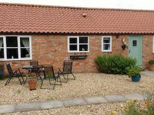 2 bedroom holiday cottage in unspoilt Lincolnshire