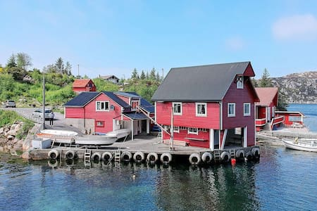 6 person holiday home in rubbestadneset