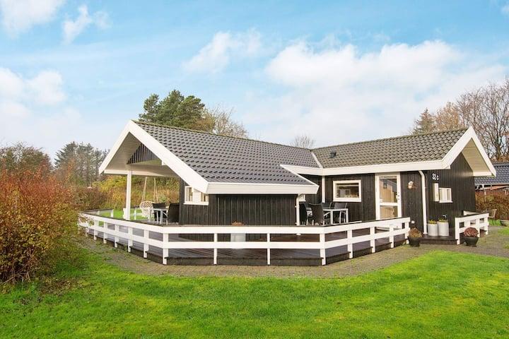 Maison de vacances paisible à Ansager avec terrasse
