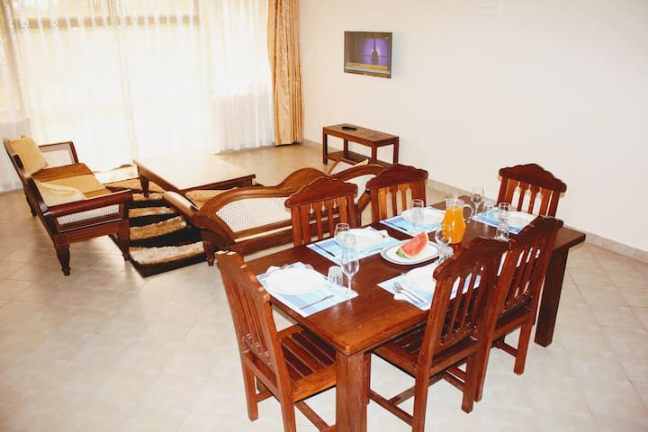 Comfortable 2 BR, 2 Bath, pool, near Diani beach