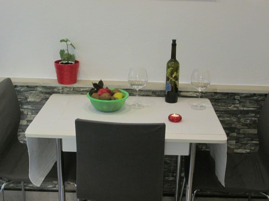 Blagovaona,boca domaćeg vina.