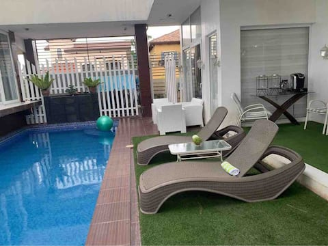 RELAXING PLACE (1BR house w/ Private Pool)