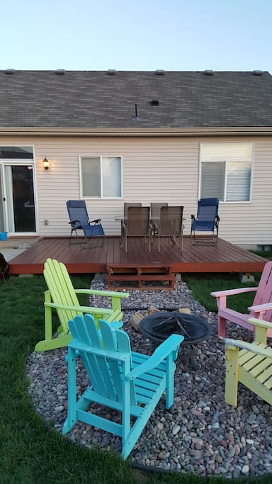 Fully furnished back deck with BBQ and fire pit
