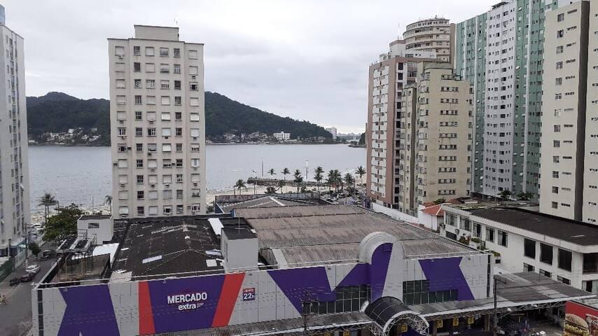 Apartamento em frente à Praia do Gonzaguinha!