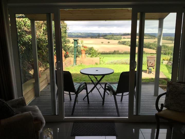 The Studio Room a rural retreat near Hay-on-Wye