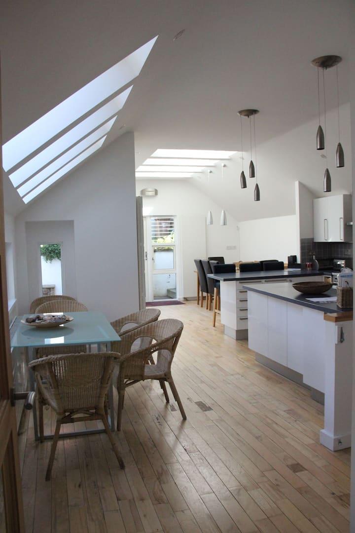 Bakerswell House - contemporary, renovated historical property, Cellardyke, sleeps 10