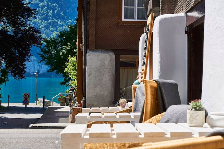 loft chalet 1 2 concept store b b bed and breakfasts for rent in brienz bern switzerland. Black Bedroom Furniture Sets. Home Design Ideas