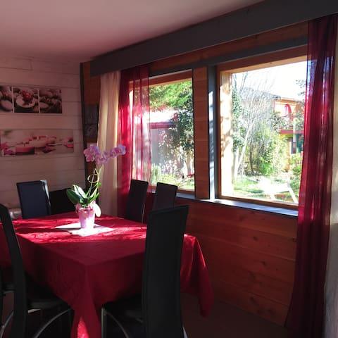 Belle maison bois à la campagne - Martignargues