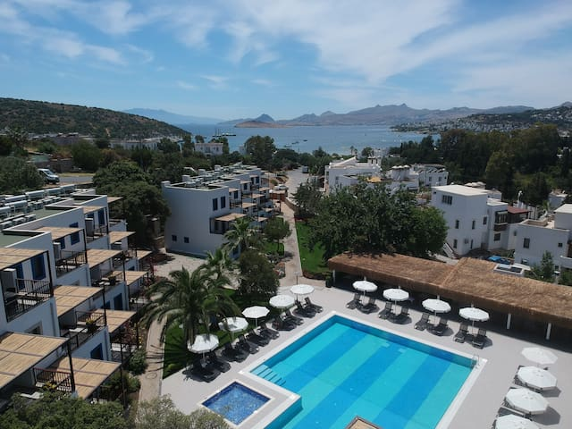Bodrum, New and modern suites for rent, priv.beach