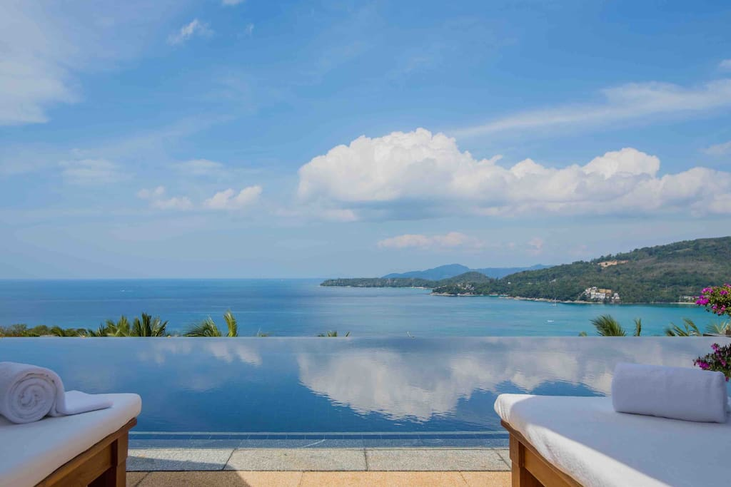 Stunning Seaview, and only 5 mins to Kamala Beach, by Resort Shuttle Servces