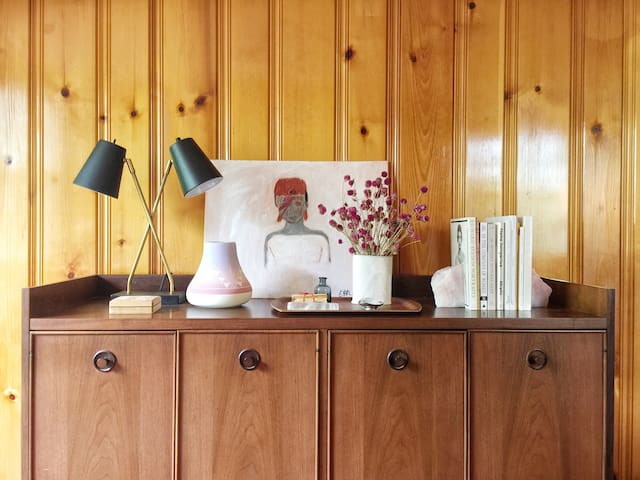 Vintage Mid-Century Modern Apartment in Hudson