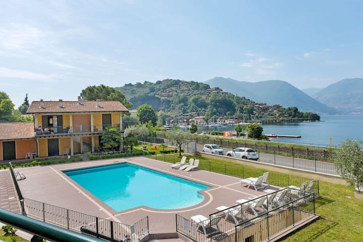 Lovely Apartment in Sulzano with Swimming Pool