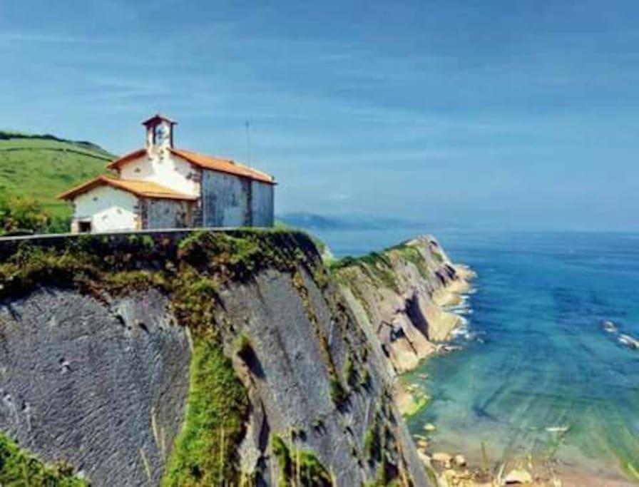 La tan venerada Ermita de San Telmo , patrón de los pescadores.