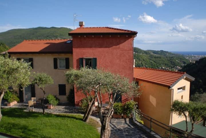 Peaceful retreat in Liguria, 8 km from the sea
