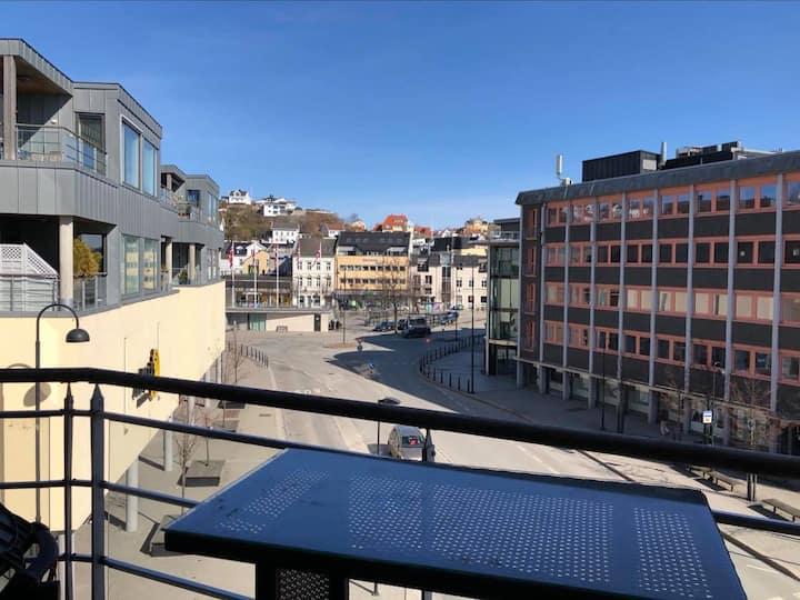 Luksuriøs leilighet midt i Arendal Sentrum!