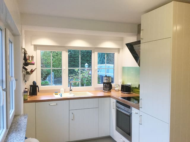 Fully equipped 2 room apartment in Bonn (Mehlem)
