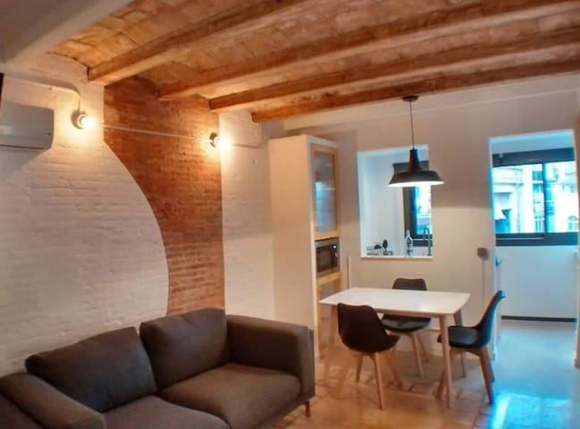 Central Charmful Flat by Barcelona Touch Apartments