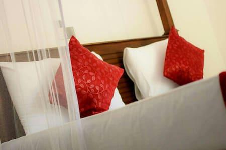 Villa Fiori ~ Deluxe Room- 10% Discount