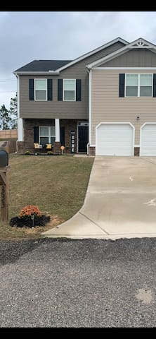 Newly built 2 story 4 bedroom home for rent!!!