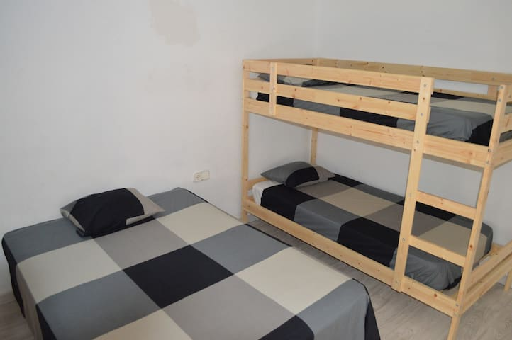 Comfortable house very good located - Salou - House