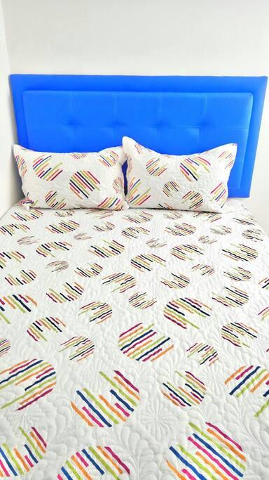cama doble muy cómoda