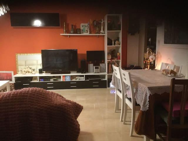 alojamiento muy bien comunicado - Mérida - Flat