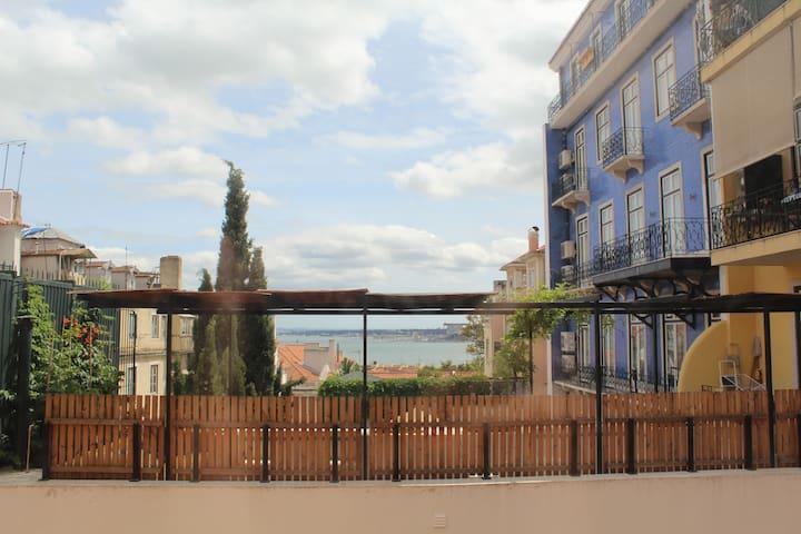 Triplex in Chiado 40m² south terrace and parking