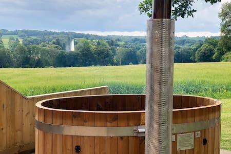 Abbey View Cottage - Scandi Hot Tub - EV Charging